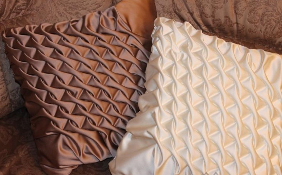 Буфы на декоративных подушках