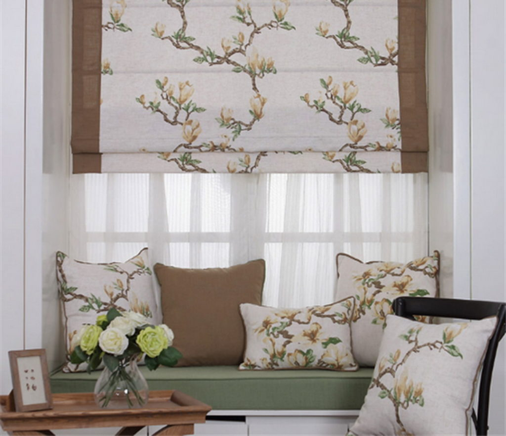 Римские шторы и декоративные подушки